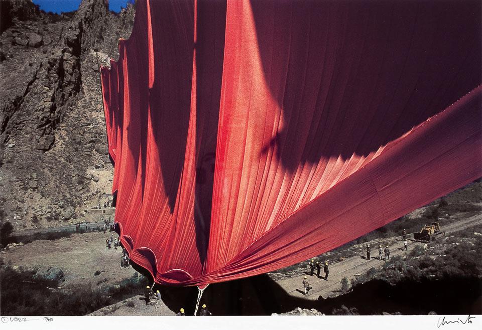 《 峽谷帷幔 》(1970-72,美國科羅拉多州)