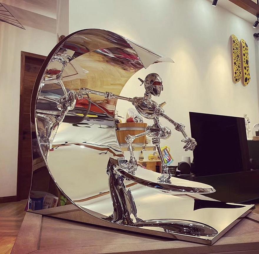 冲浪机器人(Sorayama Classic Robot Surf)