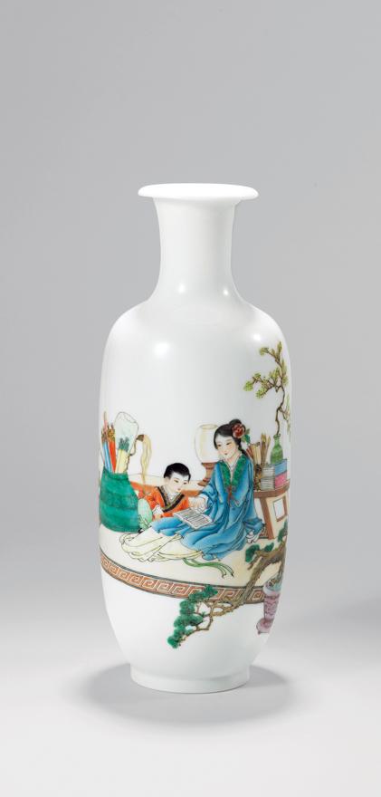 粉彩「教子图」瓶