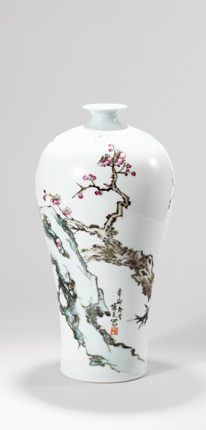 粉彩「梅开五福」瓷瓶