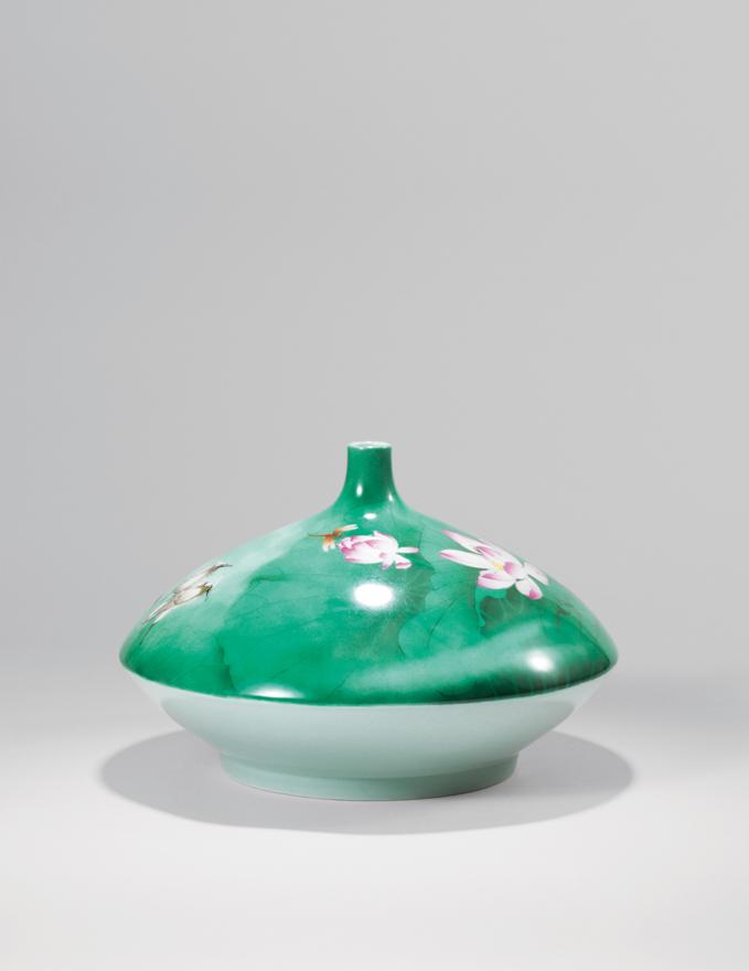 粉彩「晓雾」瓷瓶