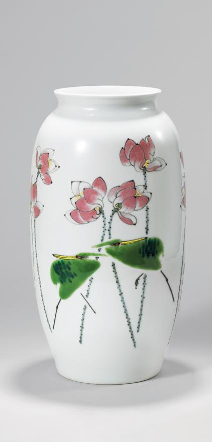 高温色釉「莲趣图」瓷瓶