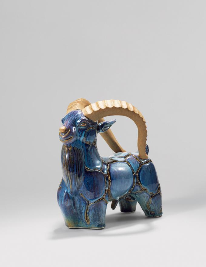 「领头羊」瓷雕