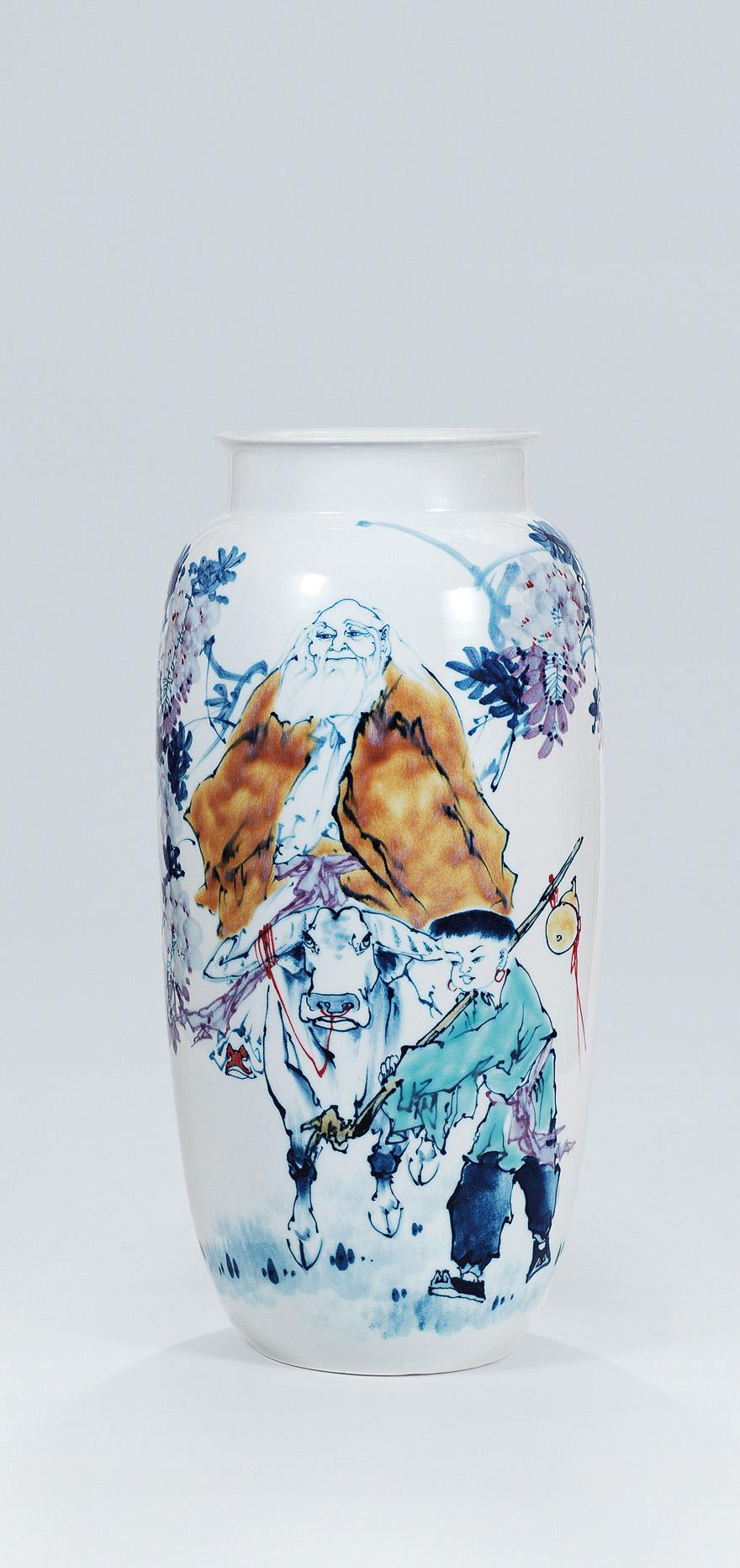 青花「紫气东来」瓷瓶
