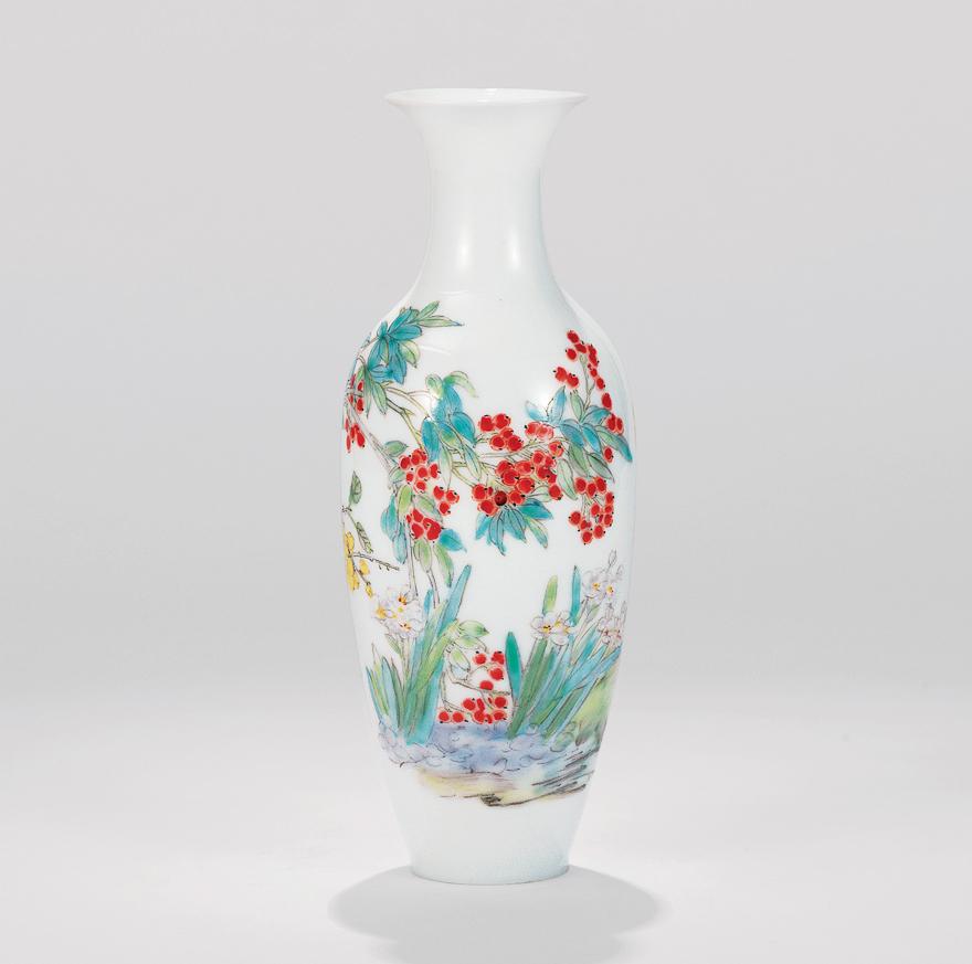 粉彩花鸟纹薄胎瓶