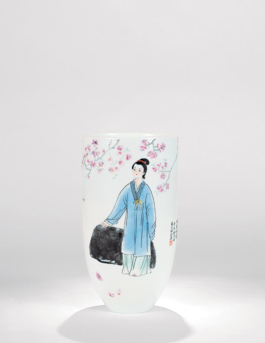 粉彩「风日晴和人意好」瓷瓶