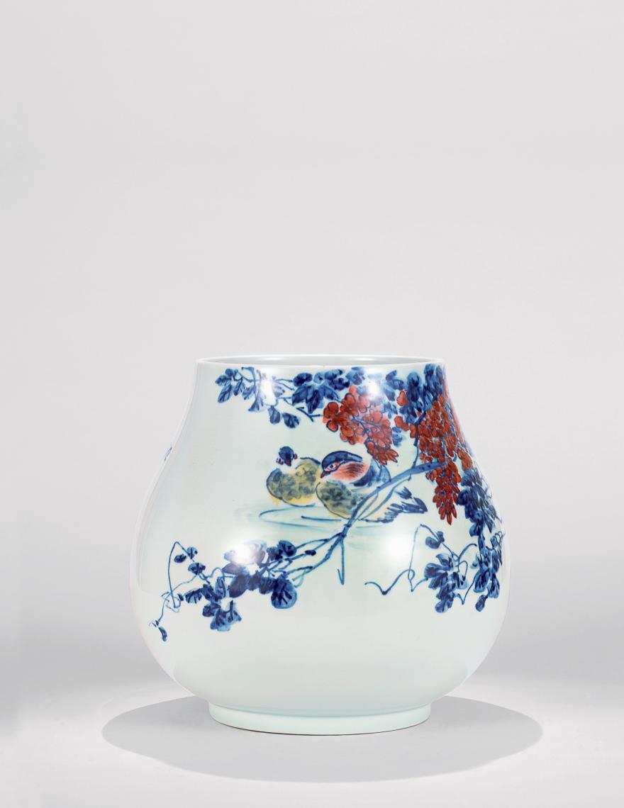 粉彩「池塘晴晨」瓷瓶